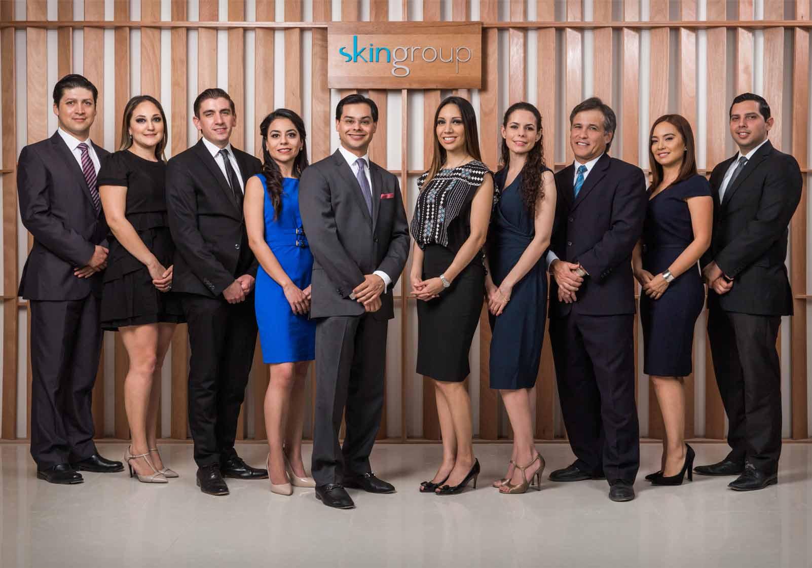 Medicos de Skingroup de gala
