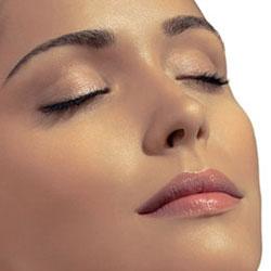 Cómo eliminar la piel grasa